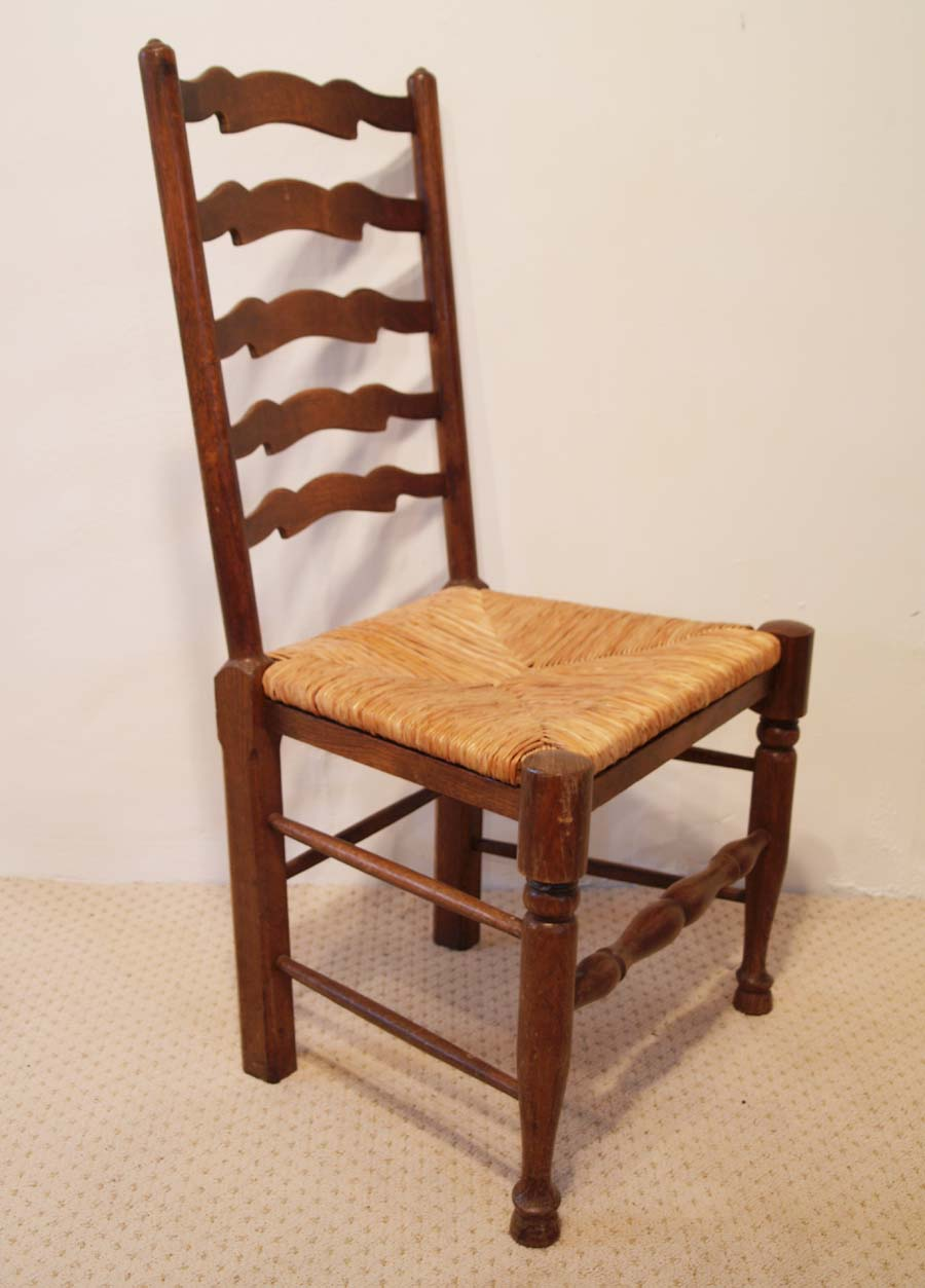 740a Set of 4 English antique style wavy line ladder back chairs