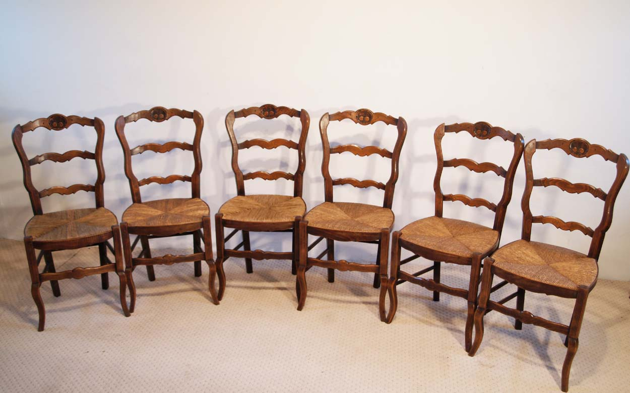 French Antique Beech Chairs with Coquille Carved Backs set of 6