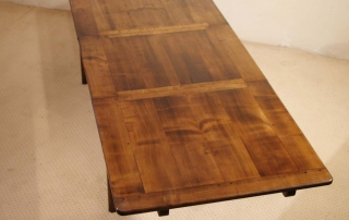 French Antique Style Centre Extending Table with Drop in Leaves, fully extended