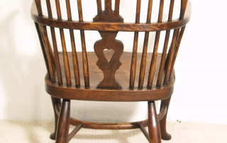 English Vintage Double Bow Windsor Chairs, back
